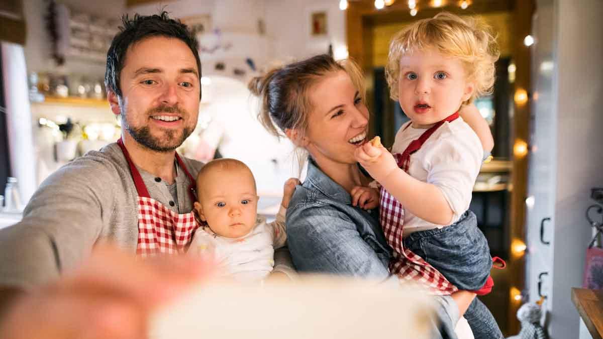 family-indoor-photoshoot